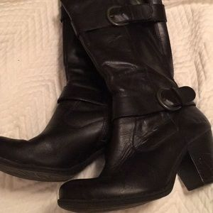 Black b.o.c. Leather double buckle boots.